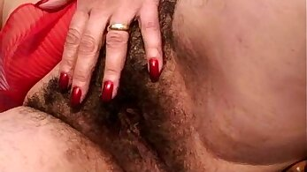 from Europe - Skinny granny pushes her hairy twat inside