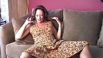 Chubby Phobes Maya Pink Grim Pussy Masturbates With A Dildo