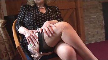 Big boob mature sexy stocking Sophia Herman wraps her lips around Trent