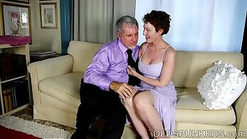 Lovely Mature ends with facial