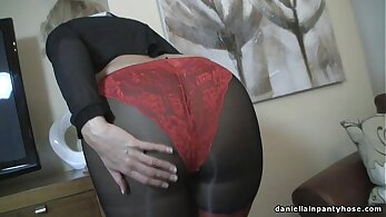 Cuming in wife in pantyhose and panties