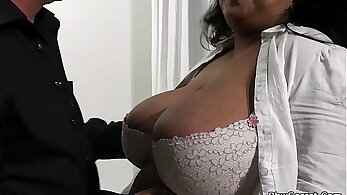 Ebony BBW Ninelle Faye Cheating With A Guy She Met Online