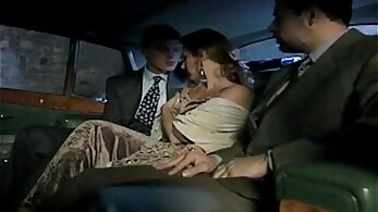 Amateur wife fucks in woods before taxi