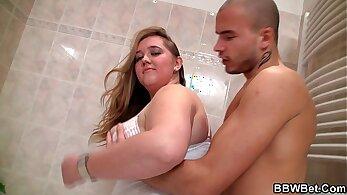 Bath time with plumper Eri Shincella