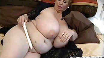 Busty BBW Becomes Extra Vibrator Orgasm