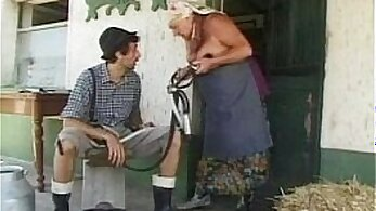 Chubby granny is getting fucked and dped